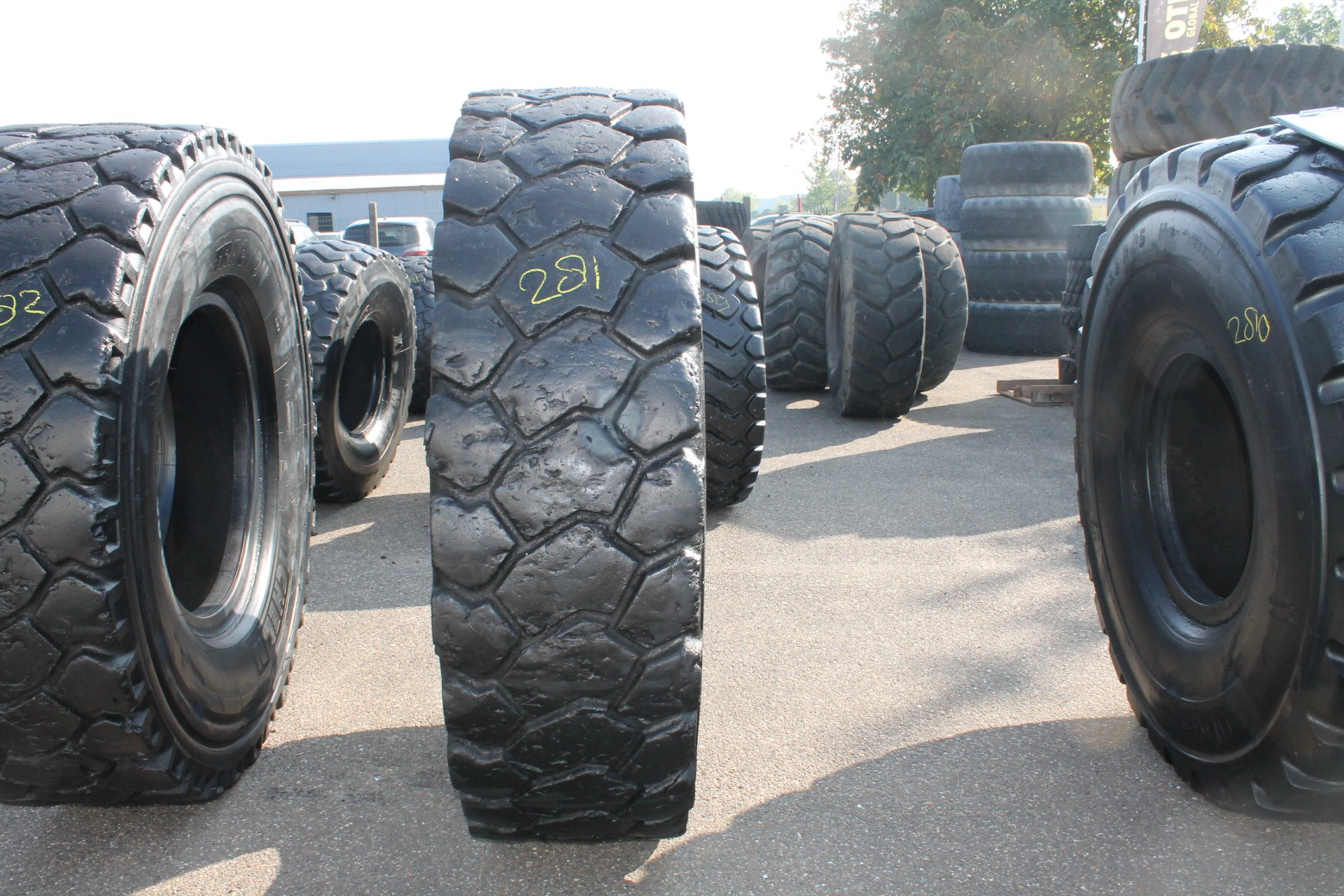 18.00R33 Michelin XTRACTION